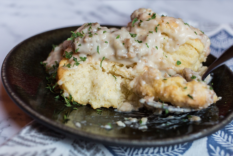 delicious vegan biscuits and gravy recipe with white gravy