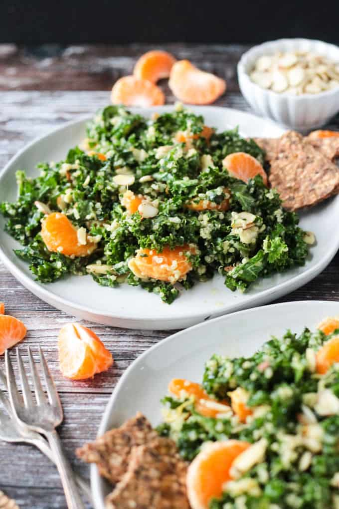 This kale and quinoa salad is so easy and super delicious!