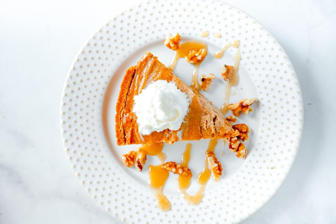 vegan pumpkin cheesecake from above