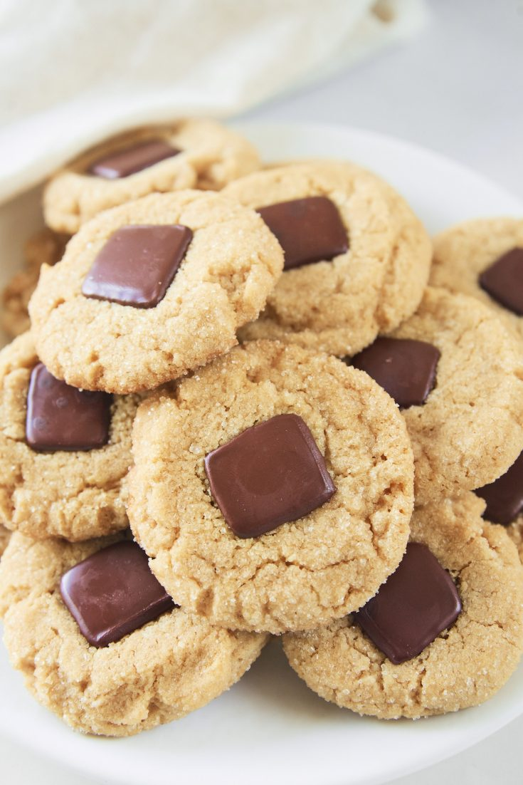 vegan peanut butter blossoms on a plate close up
