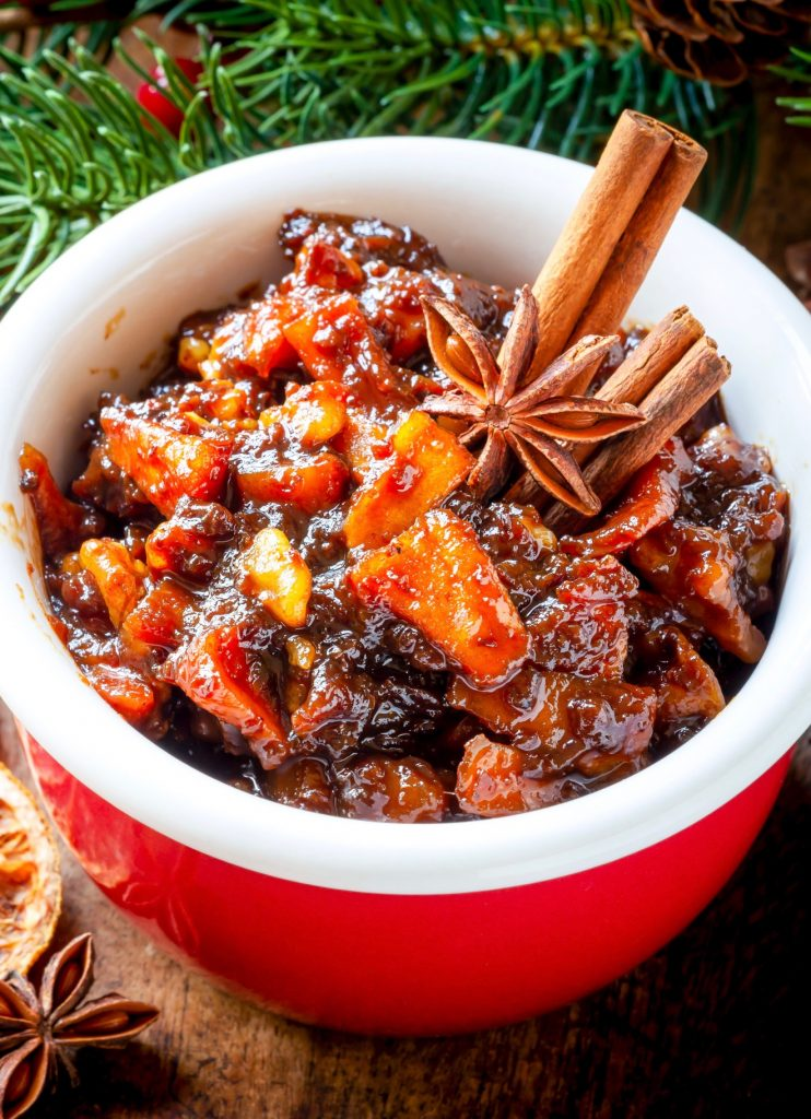 vegan mincemeat in a red jar